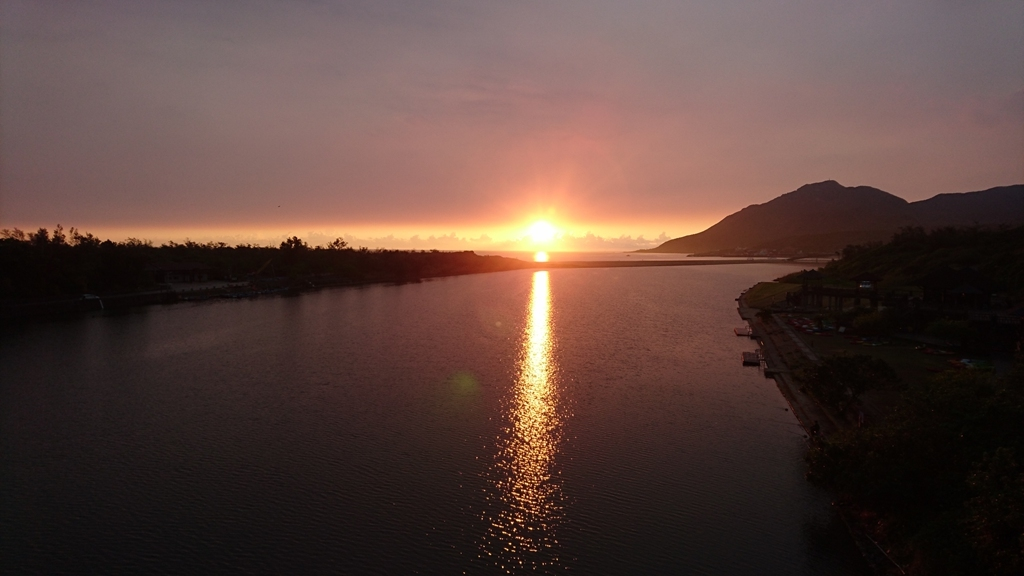 福隆雙溪河曙光  來源:東北角暨宜蘭海岸國家風景區管理處