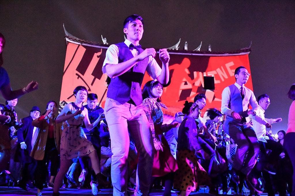 臺北燈節結合北門光雕與舞蹈,與現場民眾互動  年度:2019  來源:臺北市政府觀光傳播局
