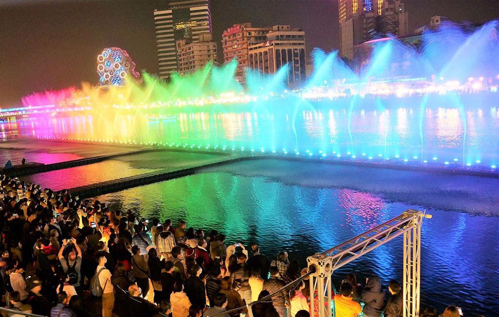 愛河水舞  年度:2020  來源:高雄市政府觀光局