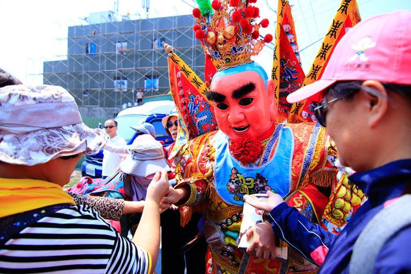 The leader of the parade (Zhentou)  Período annual:2019  Origen de las fotografías:Dajia Jenn Lann Temple
