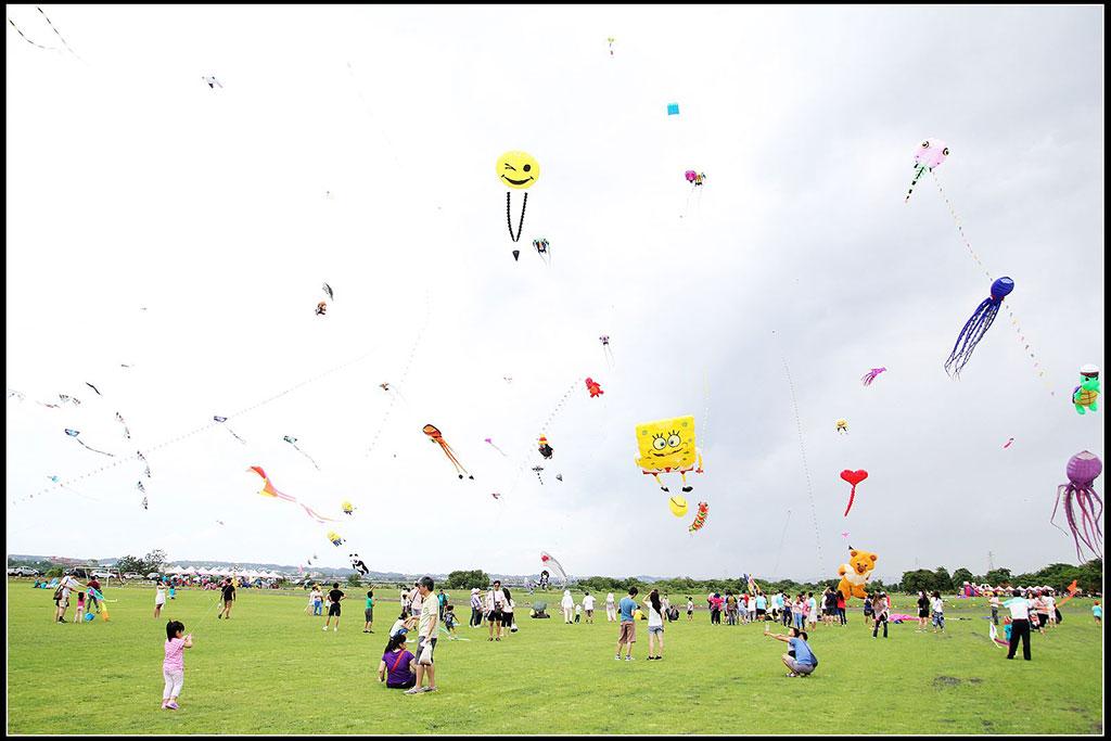 童趣放風箏  年度:2016  來源:屏東縣政府
