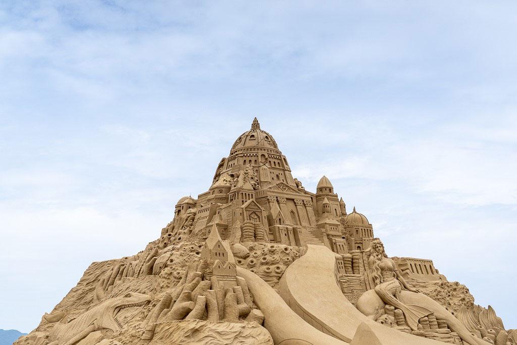 Arte Internacional de escultura en la arena en la playa de Fulong  Período annual:2019  Origen de las fotografías:Administración Nacional del Área escénica de la Costa Noreste y Yilan