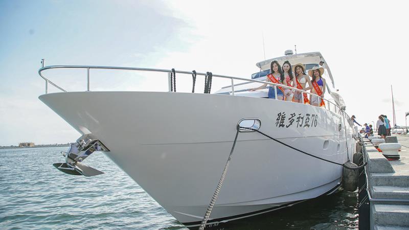 遊艇活動推廣展示台灣首艘提供潛水船宿之高級遊艇  年度:2018  來源:大鵬灣國家風景區管理處