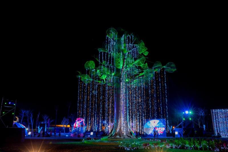 南島原鄉燈區超夢幻 阿凡達生命之樹再現燈會