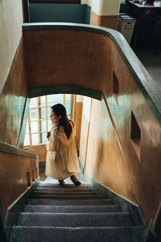 Escaleras con escalones de terrazo