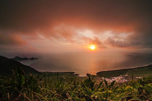 Impresionante puesta de sol en Isla Verde.
