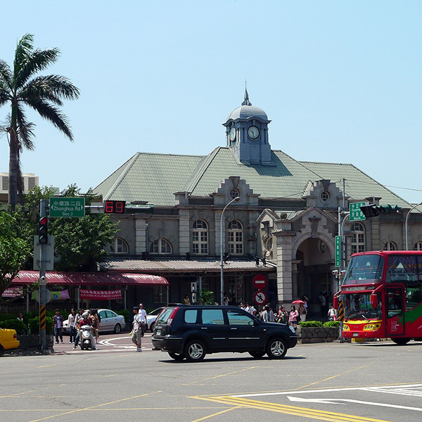 Hsinchu Train Station, Full of Nostalgic Charm