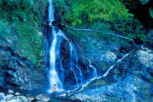 嘎拉賀野溪溫泉