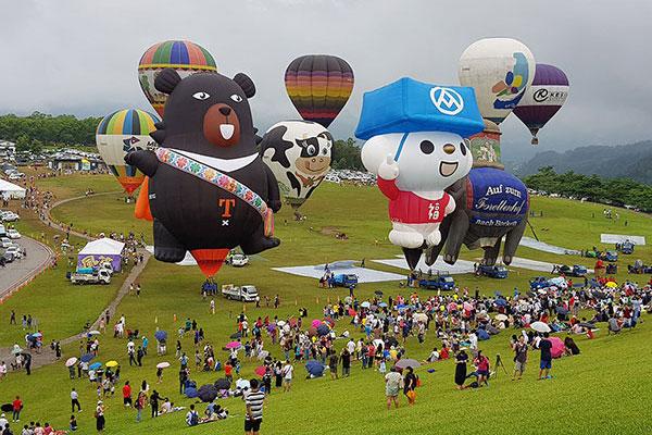 「台灣喔熊」飛高高 變身熱氣球欲奔向全世界天空