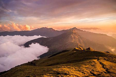 2020脊梁山脈旅遊年 35條經典遊程體驗台灣山真美