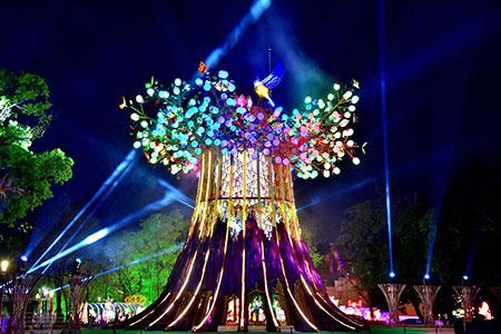 森生守護-光之樹 主燈點亮台灣 守護台灣 天佑台灣